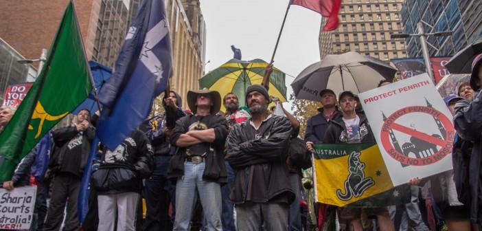 Reclaim Australia protesterer i Sydney mot bygging av moske. Foto: Anthony Brewster/Flickr er