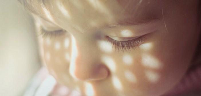 Det viktigste for et barn er å bli elsket. Om en far ikke kan gi denne kjærligheten er barnet bedre uten. Mario Izquierdo, Flickr